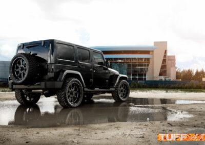 JeepWranglerBlack2016_22inchTUFFT15_GlossBlackMilled-110